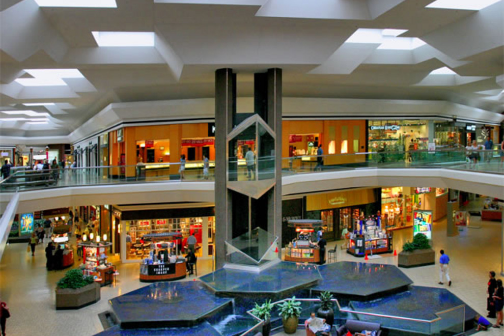Fair Oaks Mall – FairFax, VA