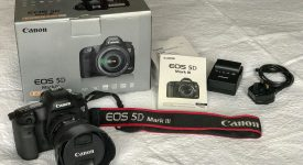 For sale: Canon EOS 5D Mark III 22.3 MP +24-105mm
