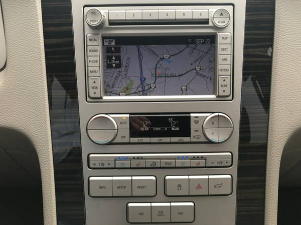 2008 Lincoln Navigator-L- Clean Carfax, 4WD, DVD, Camera, Tow9