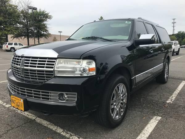Lincoln Navigator - L - Clean Carfax, 4WD, DVD, Camera, Tow1